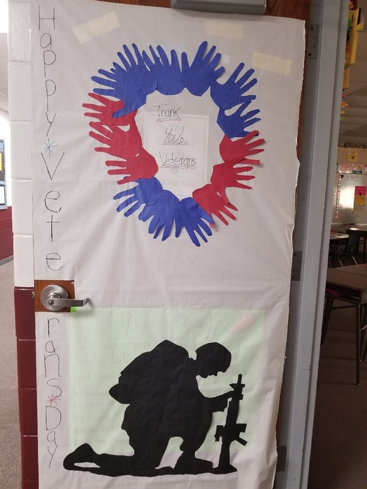 6D students wanted to honor the veterans by decorating our door.