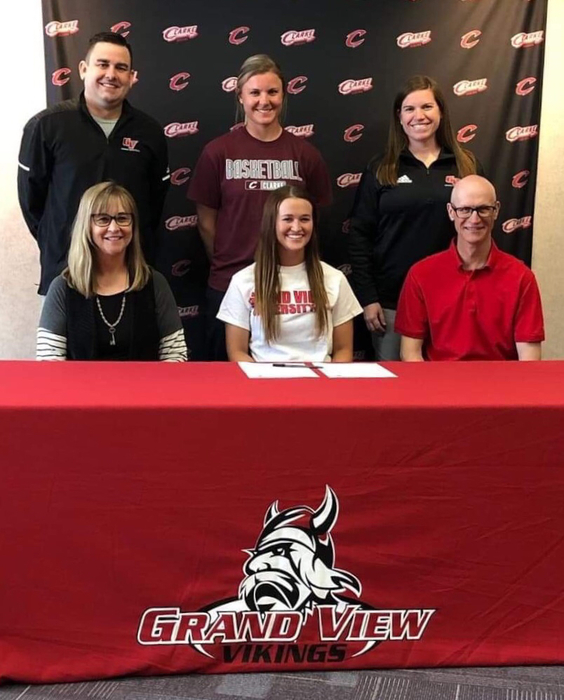 Megan Linskens signing with grand view