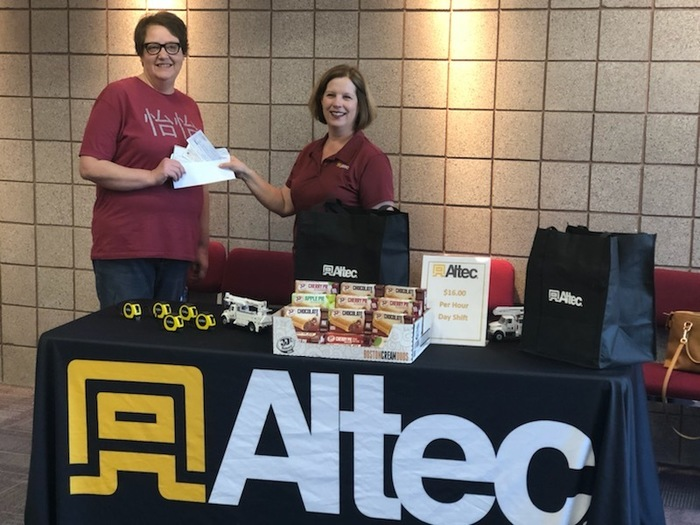 Altec donates to food pantry